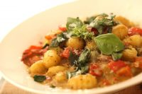 Beth's Vegetarian Gnocchi Pesto (Real-Time Recipe!) | ENTERTAINING WITH BETH